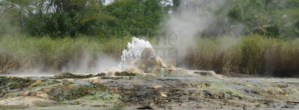 sempaya-hot-springs-semuliki